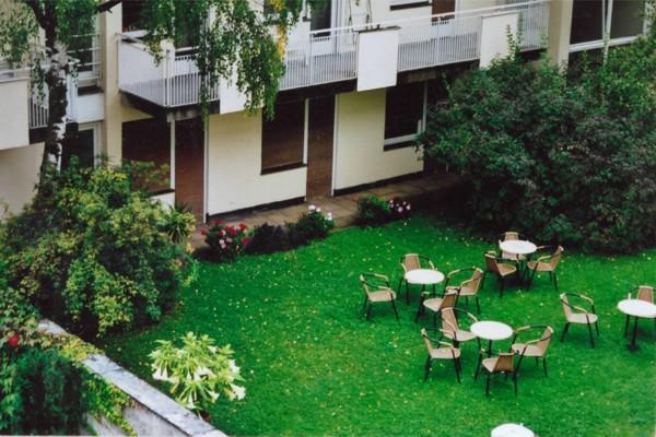 Studentenwohnheim Emanuelstrasse Garten